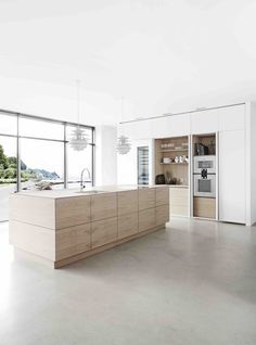 Form 45 // White pigmented oak kitchen by Multifrom