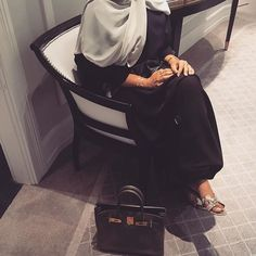 IG: Aey_Boutique_ || IG: Beautiifulinblack || Modern Abaya Fashion ||