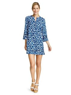 In lightweight printed cotton-silk, our new Carmichael Cover-Up is the perfect summer piece. Its lush navy color gives a hint of nautica, while its peekaboo lattice trim keeps things pretty. Wear it as a pretty swimsuit cover-up poolside, or pair it with jeans and sandals for brunch and shopping.