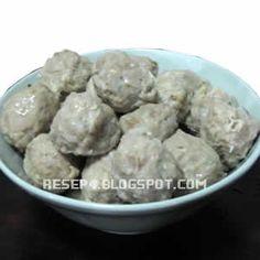 Resep Bakso Sapi - http://resep4.blogspot.com/2013/06/resep-bakso-sapi-kenyal.html
