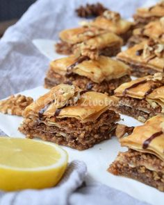 recept_baklava_21 Yummy Cookies, Desert Recipes, Food And Drink, Pie, Sweet, Cakes, Torte, Candy, Scan Bran Cake