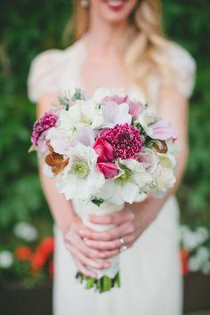 Pretty mix for a winter wedding #bouquet | Photography: www.onelove-photo.com | Floral Design: www.fleursfrance.com