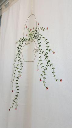 워싱광목위에 주렁주렁 옹기화분걸이에초록이를 수놓아보앗네요^^ 겁나 이뻐요ㅎㅎ 이른아침 사진빨이라 영... Embroidery Flowers Pattern, Diy Embroidery, Flower Patterns, Embroidery Stitches, Diy Baby Gifts, Jewish Gifts, Diy Art Projects, Plant Art, Fabric Painting