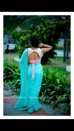 Stunning designer saree and blush pink color designer blouse with hand embroidery work. Blouse with beautiful bell sleeves. Blouse Back Neck Designs, Simple Blouse Designs, Stylish Blouse Design, Dress Designs, Blouse Designs Catalogue, Pattu Saree Blouse Designs, Lehenga Blouse, Designer Blouse Patterns, Crochet
