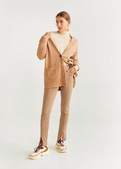 Discover the latest trends in women's trousers. Dressy, skinny, palazzo and baggy trousers, chinos and leggings. Baggy Trousers, Khaki Pants, Mango Fashion, Leggings, Long Pants, Palazzo, Fashion Online, Latest Trends, Cotton Fabric