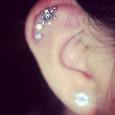 Little mini turtle cartilage earring ring!!!! I WANT!!!!!! <3 turtles! and i have a cartilage!