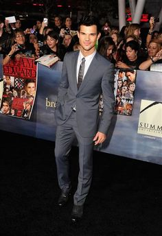 "Taylor Lautner makes us howl! See more celebs at the ""Breaking Dawn 2"" premiere on Wonderwall: http://on-msn.com/TGVeCM"
