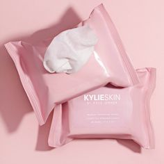 Shop our Makeup Removing Wipes on Kylie Skin by Kylie Jenner. Our Makeup Removing Wipes are cleansing towelettes that remove all traces of dirt, oil and makeup, leaving your skin feeling fresh and looking clean. Makeup Remover Wipes, Makeup Wipes, Skin Makeup, Maquillaje Kylie Jenner, Kylie Cosmetic, Sensitive Skin Care, Eye Cream, Skin Cream, Makeup Trends