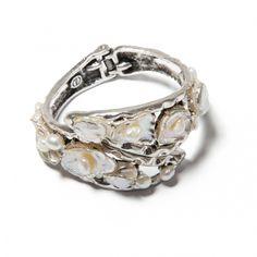 Bratara Pearl Magic - Mirabilis Art Jewelry - lei140.00 - www.thescarfstreet.com #thescarfstreet #esarfe #esarfa #scarf #fular #moda #modadama #romania #fashion Romania, Jewelry Art, Wedding Rings, Magic, Engagement Rings, Fashion, Bead, Enagement Rings, Moda