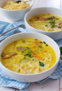 Zupa z boczniaków - MniamMniam.pl Soup Recipes, Vegan Recipes, Cooking Recipes, Vegan Junk Food, Vegan Smoothies, Food Design, My Favorite Food, Food Porn, Food And Drink