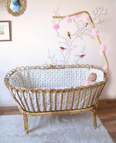 berceau  bébé en rotin/osier , habillage et matelas  , vintage de la boutique atelierdelachoisille sur Etsy