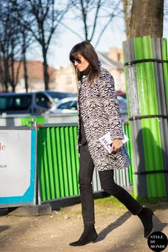 Emmanuelle Alt - Zebra Print Coat - All Black Assemble - Street Style Street Fashion Streetsnaps by STYLEDUMONDE Street Style Fashion Blog