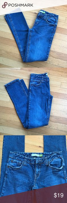 Aeropostale Skinny Leg Blue Jeans Size 5/6 Long Aeropostale Skinny Leg Blue Jeans Size 5/6 Long. Bayla Skinny Leg. No rips or stains. Stored in my Daughter's closet. Looks like just purchased. 🚫trades. Please ask all questions prior to buying Aeropostale Jeans Skinny