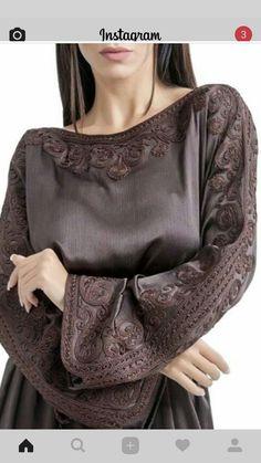 Image gallery – Page 458100593340927184 – Artofit Hijab Style, Abaya Style, Abaya Fashion, Boho Fashion, Fashion Outfits, Morrocan Kaftan, Arabic Dress, Mode Boho, Caftan Dress