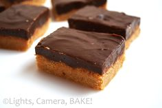 Soft, melting peanut butter fudge topped with a sugar easy sweet and delicious chocolate fudge! Click the link for the . Chocolate Fudge, Delicious Chocolate, Vegetarian Chocolate, Delicious Food, Best Dessert Recipes, No Bake Desserts, Sweet Peanuts, Peanut Butter Fudge, Easter Recipes