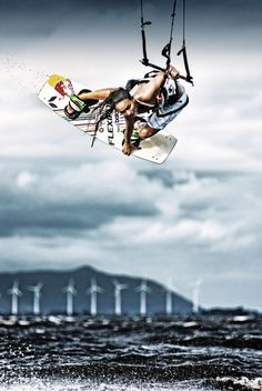 Bruna Kajiya. Kitesurfer. Red Bull.