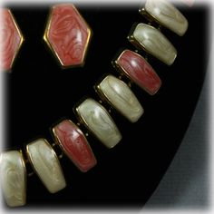 Vintage Frosted Enamel Gold Tone Necklace and Earring Set