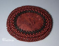 mILDIzájn: Piros bross - befoglalással
