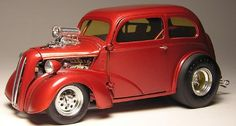 Post yours here or build one for us. DISCUSSIONS WELCOMED - Scale Auto Magazine - For building plastic & resin scale model cars, trucks, motorcycles, & dioramas Model Cars Kits, Kit Cars, Vintage Cars, Antique Cars, Revell Model Kits, Model Cars Building, Hobby Cars, Ford Anglia, Plastic Model Cars