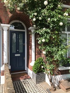 The blue Victorian front door with curve top frame. This bespoke front door is fitted with satin chrome door furniture. That Victorian door is timeless and will suit a variety of different homes. Victorian Front Garden, Victorian Front Doors, Victorian Porch, Victorian Terrace House, Victorian Homes, Edwardian House, Front Door Planters, House Front Door, Front Door Decor
