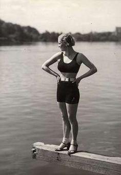 Woman in two pieces swimsuit at Villa Källhagen. Nordiska Kompaniet 1932