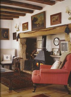 Elegant English country living room ideas for your home. English cottage interior design suggestions and inspiration. English Cottage Interiors, English Cottage Style, English Country Cottages, English Country Decor, Country Interior, English House, Farmhouse Interior, English Style, Salons Cottage