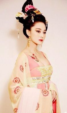 Hanfu, Cheongsam, Traditional Fashion, Traditional Dresses, Traditional Chinese, Asian Style, Chinese Style, Geisha Samurai, Asian Woman