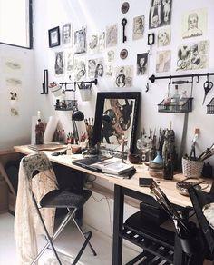 Great hanging racks for art storage home art studios, art studio at home,. Home Art Studios, Art Studio At Home, Art Studio Spaces, Studio Apartments, Deco Studio, Studio Room, Art Studio Design, Design Studios, Art Studio Organization