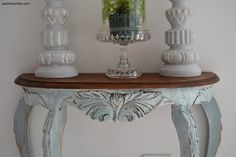 From a beautiful blog in Australia. Great idea for Louis Blue and Old White @Annie Sloan Chalk Paint