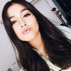 Tips For Changing Your Hairstyle. If you like your hairdo, there's no reason to agonize over making a s Liza Soberano, Samantha Images, Filipina Beauty, Aesthetic Women, Asian Hair, Woman Crush, Pretty Face, Girl Crushes, Asian Woman