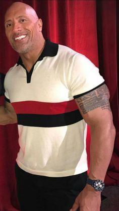 É para sempre o homem mais lindo do universo simplesmente o mais lindo. Dwayne Douglas Johnson é um sonho de homem.