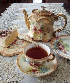 Vintage Tea, Coffee Time, Tea Time, Café Chocolate, Macaron, Aesthetic Food, Cute Food, High Tea, Afternoon Tea