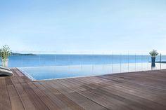 Entre mer et #piscine, plus besoin de choisir ! #corse #portovecchio #reve #soleil