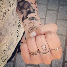 Photo by youmakefashion - Tatouage temporaire - Dent - http://www.bernardforever.fr/collections/tattoos?page=2