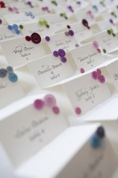 Wedding Sitting charts: Button Escort Cards just the colors op Wedding Sitting Chart, Seating Chart Wedding, Wedding Blog, Wedding Favors, Wedding Decorations, Chic Wedding, Seating Cards, Wedding In The Woods, Wedding Place Cards