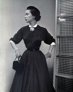 44995c16c 14Th Street Fashions - LIFE Magazine 1951 Photo by Nina Leen Life Magazine,  Móda 50