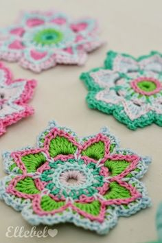 Crochet Flower ༺✿ƬⱤღ  https://www.pinterest.com/teretegui/✿༻