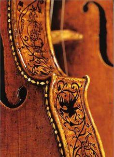 violin side details