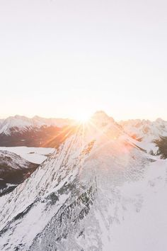 Sunrise at the top of a mountain : what a scenery