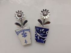 Flowerpot brooches by Maggie Laing