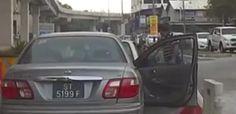Video pembuli jalanan tarik rambut pemandu - http://malaysianreview.com/130861/video-pembuli-jalanan-tarik-rambut-pemandu/