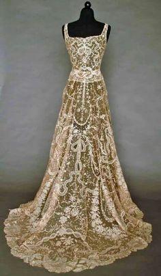 19th century fine handmade lace dress - ooooooo!