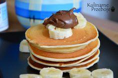 Puchate naleśniki na maślance to idealny pomysł na śniadanie. Wypatrzyłam je u Ewy na jej blogu Around the flavors i troszeczkę zmodyfikowałam. Puchate placuszki z nutellą i bananami lub z dżemem wiśniowym smakują obłędnie :)  Składniki: 1,25 szklanki mąki pszennej tortowej (ok. 200g) 3 płaskie łyżeczki cukru zwykłego 16g cukru wanilinowego szczypta soli 2 […] Polish Recipes, Polish Food, Nutella, Pancakes, Food And Drink, Snacks, Breakfast, Desserts, Pierogi