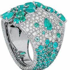 @vanleles_diamonds.  Paraiba tourmalines and diamonds make such a beautiful ring #finejewelry #customjewelry #conradlondonjewels