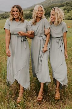 It's our favorite time of year again - wedding planning season! This collection of modest bridesmaid dresses will make all members of your bridal party feel beautiful, comfortable and confident, and we've got a style to match your perfect wedding! Beautiful Bridesmaid Dresses, Modest Bridesmaid Dresses, Stunning Dresses, Awesome Dresses, Elegant Dresses, Wedding Dresses, Bridesmaid Dresses Sage Green, Alternative Bridesmaid Dresses, Bridesmaids