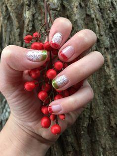 Christmas nails!!❄️❤️