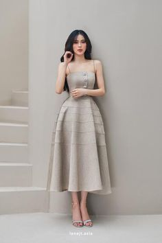 Teen Fashion Outfits, Classy Outfits, Chic Outfits, Fashion Dresses, Wedding Dress Necklines, Necklines For Dresses, A Line Prom Dresses, Summer Dresses, Bridesmaid Dresses