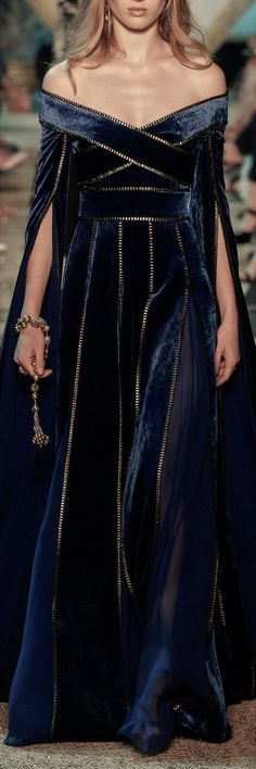 25 + ›Elie Saab Herbst 2017 Couture Fashion Show - Elie Saab Herbst 2017 Couture Modenschau - Couture Fashion, Runway Fashion, High Fashion, Fashion Show, Fashion Design, Fall Fashion, Trendy Fashion, Couture Style, Trendy Style