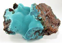 therockymineralshow:    Smithsonite Aurichalcite