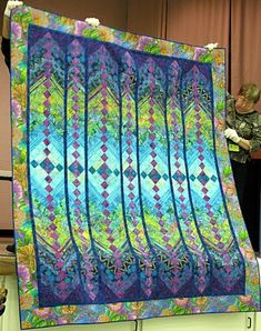 Beautiful French Braid quilt- LOVE these colors! This would not be difficult or complicated; maybe time consuming.